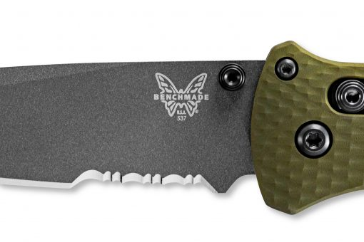 Benchmade Bailout Grey CPM-3V Combo Tanto Blade Woodland Green Aluminum Handle Blade Close Up