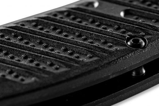 Benchmade Mini Presidio II Black S30V Blade Black CF-Elite Handle Scale Close Up