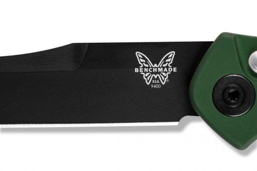 Benchmade Osborne Auto S30V Black Blade Green Aluminum Handle Blade Close Up