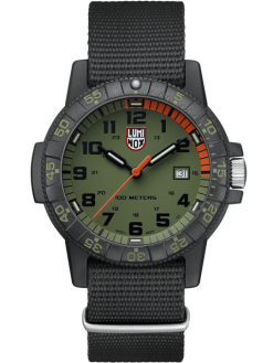 Luminox Leatherback Sea Turtle Giant 0320 Series 0337 Green/Black Front Side Closed Center