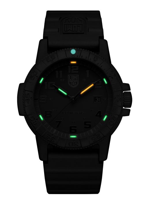Luminox Leatherback SEA Turtle Giant 0321.BO Front Side Center Night