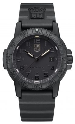 Luminox Leatherback Sea Turtle Giant 0320 Series 0321.BO.L Black/Black Front Side Closed Center