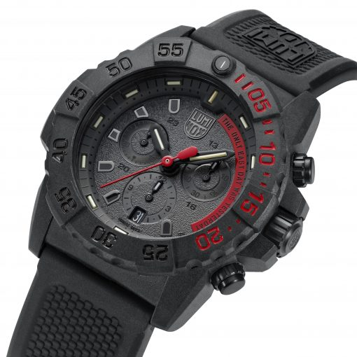Luminox Navy SEAL Chronograph 3580 Series 3581.EY Black/Red/Black Front Side Closed Angled