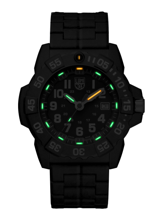 Luminox Navy SEAL 3500 Series 3502.L Black/White Front Side Center Night