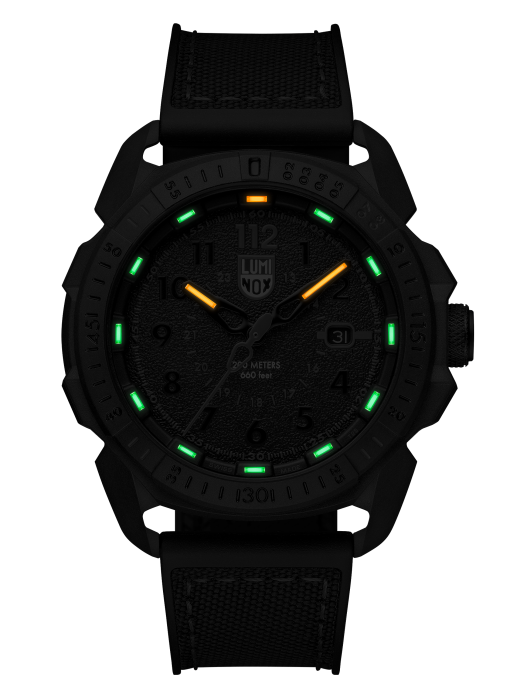 Luminox ICE-SAR ARTIC 1000 Series - CARBONOX 1002 Black/Red Front Side Closed Center Night