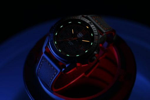 Luminox ICE-SAR ARTIC 1000 Series - CARBONOX 1002 Black/Red Front Side Closed With Background