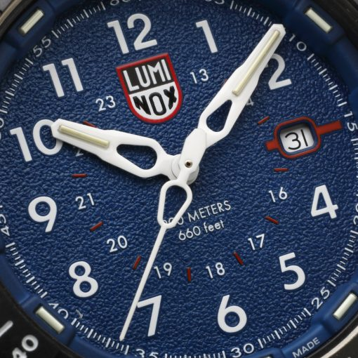 Luminox ICE-SAR ARTIC 1000 Series - CARBONOX 1003.ICE Navy Blue/White Front Side Face Close Up