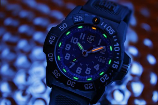 Luminox Navy SEAL 3500 Series 3503.F Blue/White Front Side Closed With Background