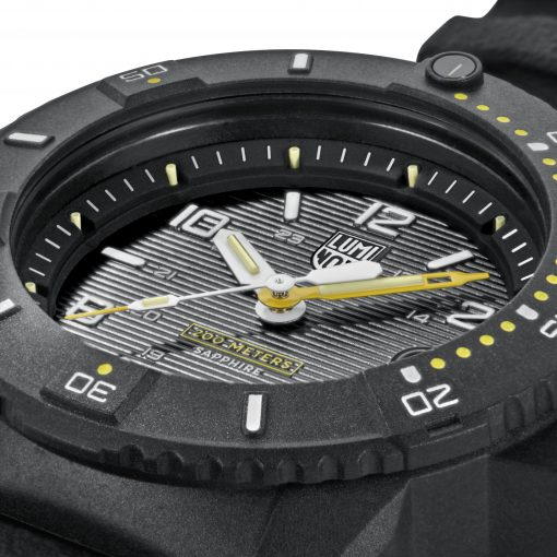 Luminox Navy SEAL 3600 Series 3601 Black/White/Yellow Front Side Close Up