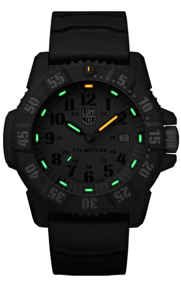 Luminox Master Carbon SEAL 3800 Series 3813.L Green/Black Front Side Closed Center Night