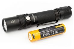 Fenix FD30 LED Focus Flashlight - 900 Lumens Infographic Front Side With Battery