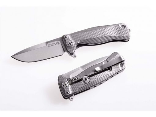 This frame lock knife is the 2nd most popular option, after the liner lock. This locking mechanism is also known as R.I.L. or Reeve Integral Lock