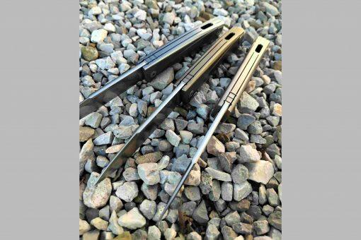 LionSteel Thrill Titanium M390 Blade Blue Titanium Handle SlipJoint Knife Top View Multiple