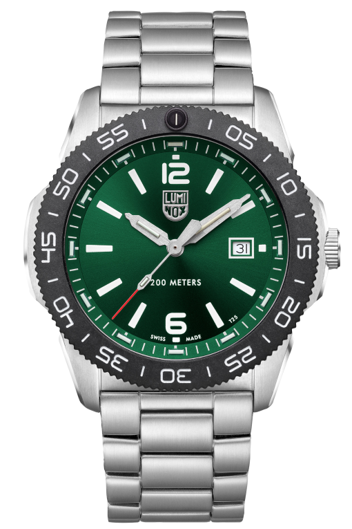 Luminox Pacific Diver 3120 Series 3137 Green/White Front Side Center