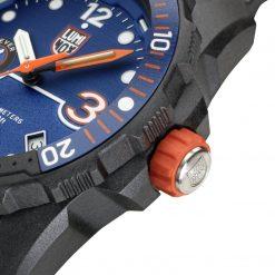 Luminox Bear Grylls Survival SEA Rule of 3 Limited Edition Black/Orange Bezel Close Up