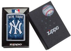 Zippo - MLB New York Yankees Design Lighter Front Side Closed in Box