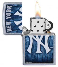 Zippo - MLB New York Yankees Design Lighter Front Side Open