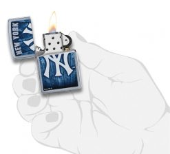 Zippo - MLB New York Yankees Design Lighter Front Side Open With Hand Graphic